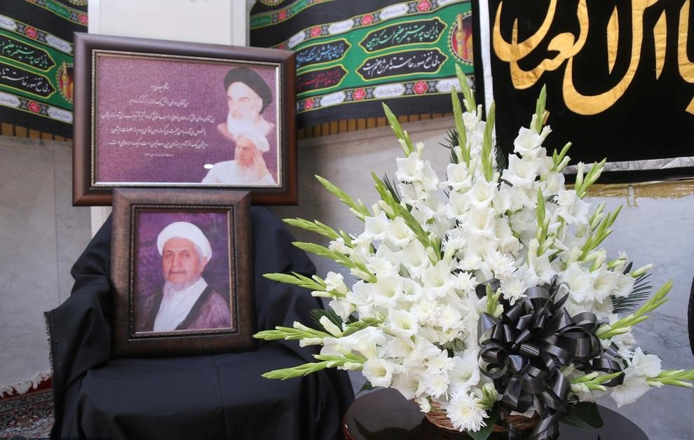 تماس میرحسین موسوی با خانواده آیتالله صانعی