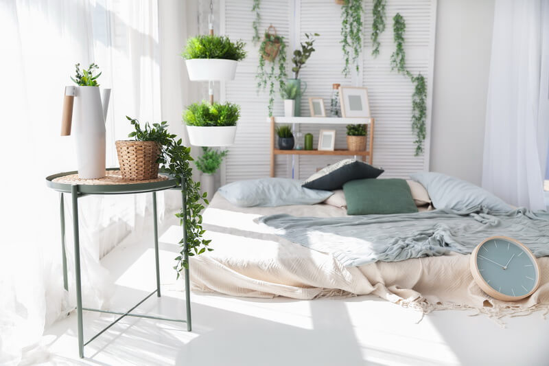 ۱۲ راه ساده برای دیزاین گیاهان مخصوص آپارتمان در اتاق خواب