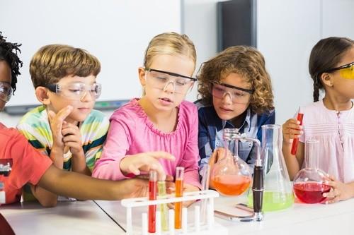 آزمایشی ساده و جذاب برای کودکان