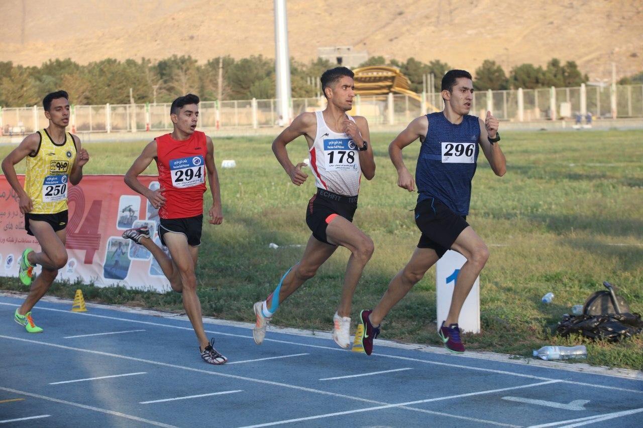 دوندگان آذربایجانغربی ۲ مدال از مسابقات قهرمانی کشور کسب کردند