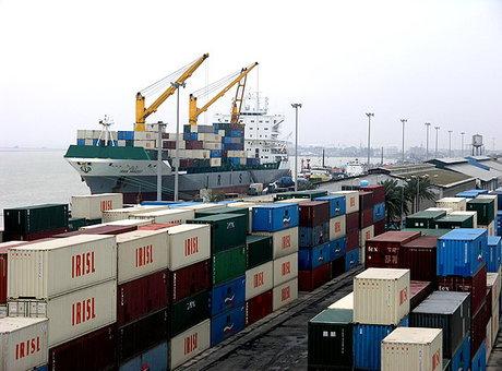 واردات برخی کالاهای اساسی از نصف کمتر شد