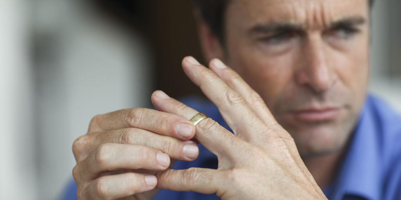 روانشناسی/ این جملات را به افرادی که طلاق گرفتهاند نگویید