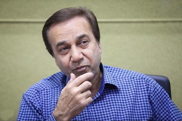 محمد گلریز: سرودهای حماسی و انقلابی همگی برآمده از شعارهای مردم بود