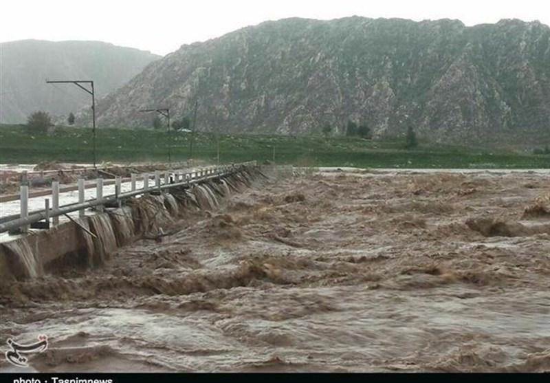 نيروهاي شهرداري و آتشنشاني کرمانشاه به مناطق سيلابزده هرسين اعزام شدند