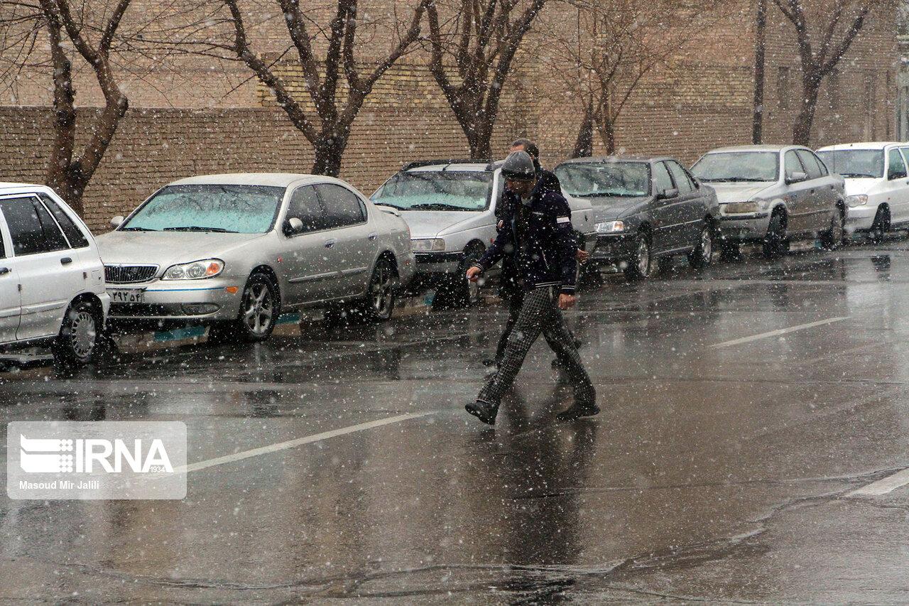 پيش بيني کاهش دما و لغزندگي جادهها در لرستان