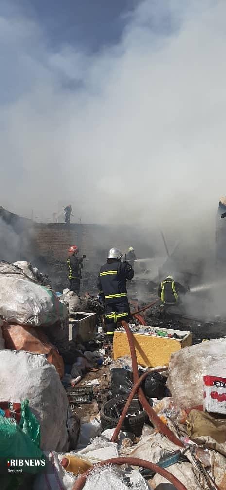 مهار آتش در کارگاه ضایعاتی در شیراز