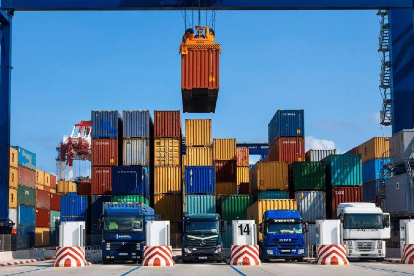عوامل موثر بر کاهش تجارت خارجی در سال 99