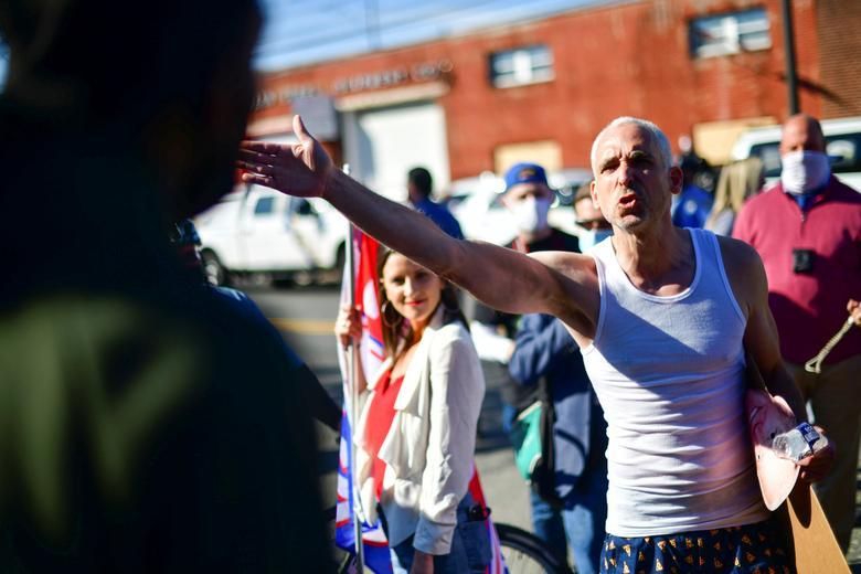 مردم آمریکا در مقابل هم؛ بالا گرفتن بحث بین هواداران ترامپ و بایدن