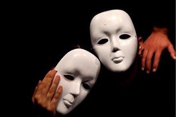 کارگردان تئاتر: برخی هنرمندان تئاتر کارگر خانه مردم شدهاند