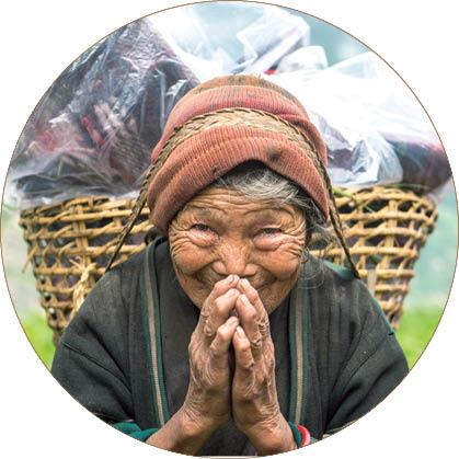 آداب معاشرت عجیب نپالی ها؛ استفاده از چانه به جای انگشت اشاره!