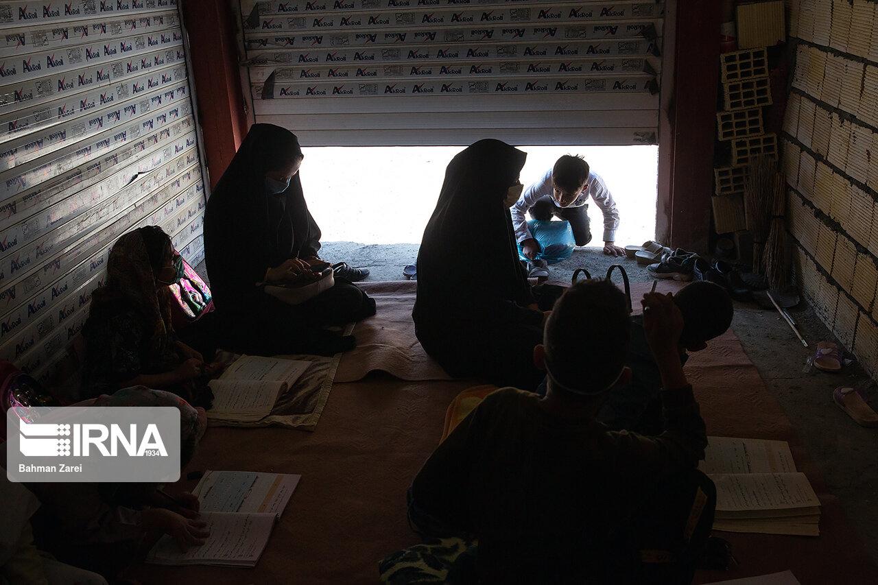 سالانه بیشاز ۶۰ دانشآموز دختر در بزپیران بمپور ترک تحصیل میکنند