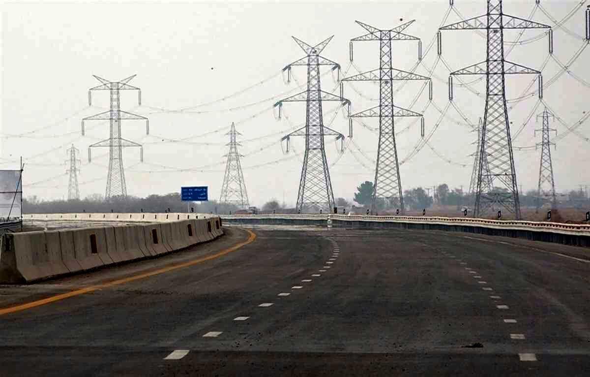 بارندگی و محدودیتهای کرونایی جادههای همدان را خلوت کرد