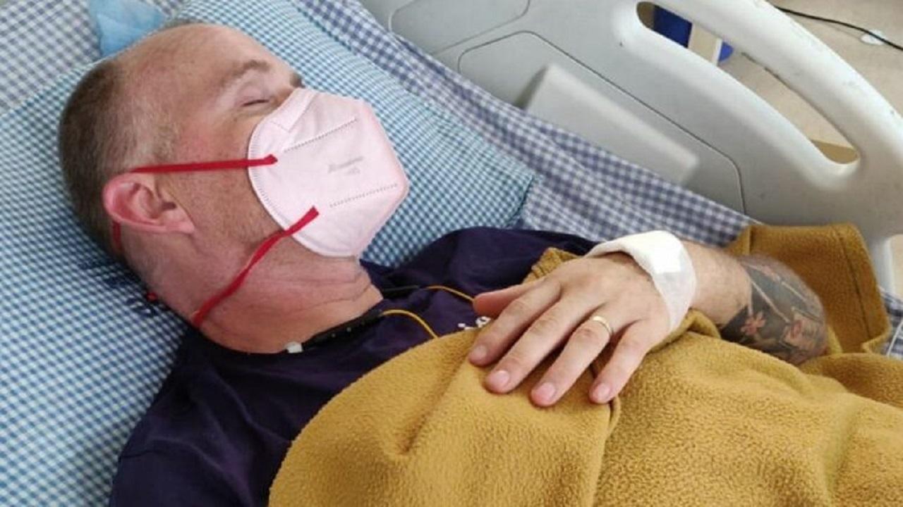 مردی پس از جان به در بردن از مالاریا و کرونا، با نیش مار فلج و نابینا شد!