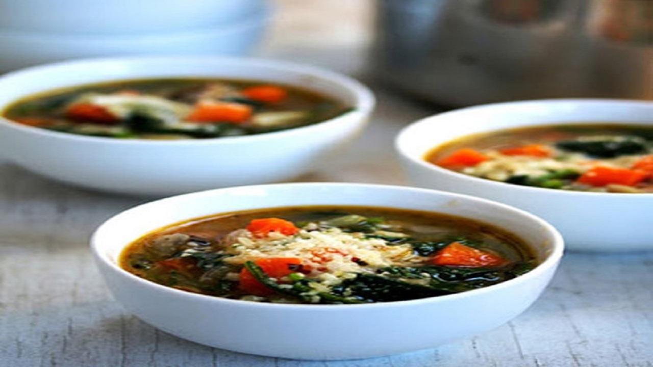 طرز تهیه سوپ اسفناج و پاستا؛ متفاوت و خوشمزه