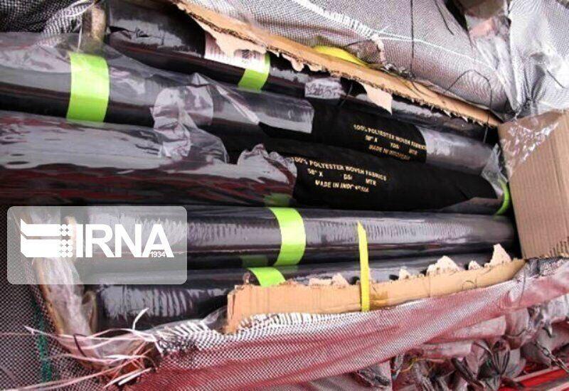کشف بیش از ۲ تن پوشاک قاچاق در محور بیرجند ـ قاین