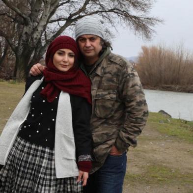 چهره ها/ سمیرا حسن پور و همسرش در طبیعت پاییزی