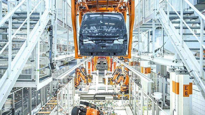 فولکس واگن از کارخانه وسایل نقلیه تجاری خودش خواسته خودروهای الکتریکی تولید کند