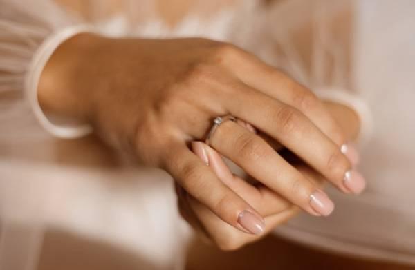 بعد از طلاق، خانوادهام اصرار به ازدواج مجددم دارند
