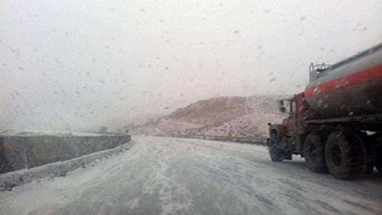 بارش برف و باران در محورهای مواصلاتی قزوین