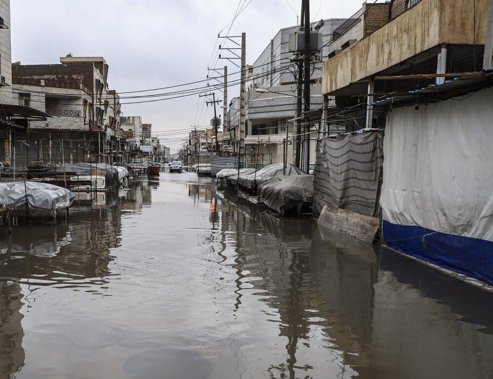 تداوم بارندگیها سبب آبگرفتگی مناطق مختلف اهواز شد