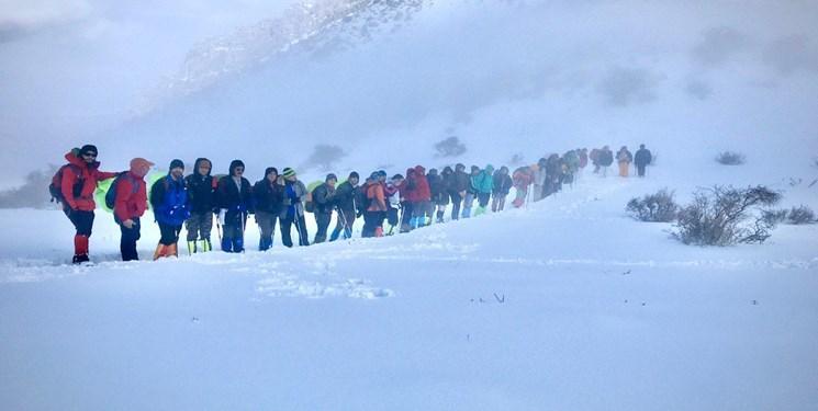ریزش بهمن در مسیر قله کلون بستک