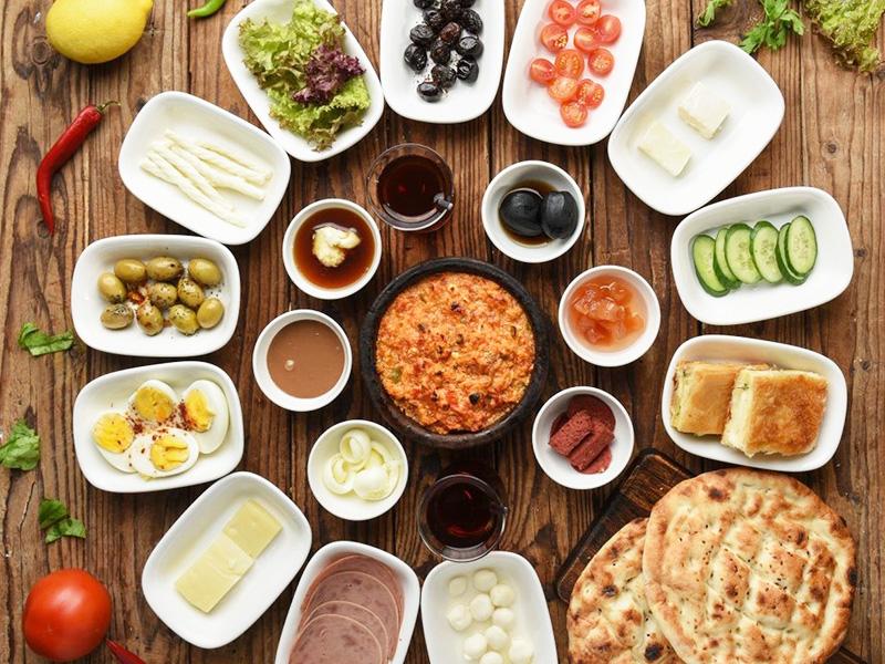 صبحانه های متنوع در شهرهای مختلف ایران