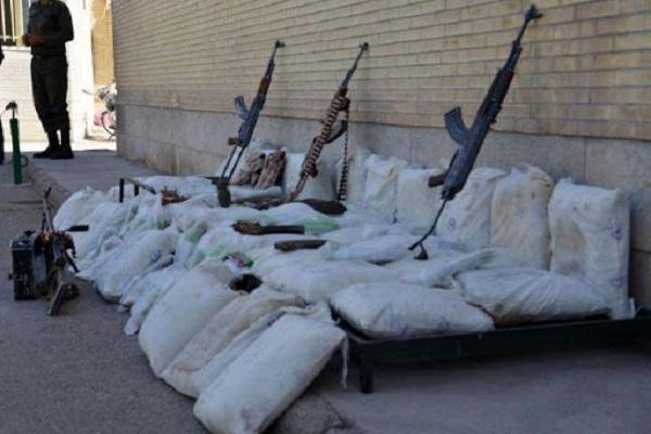 کشف ۲محموله سلاح و مواد مخدر در فارس