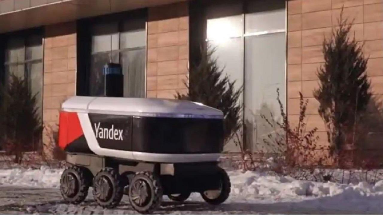 تحویل غذا با رباتها!