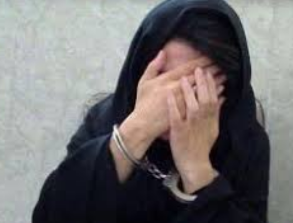 زن جوان منکر کور کردن چشم شاکی شد