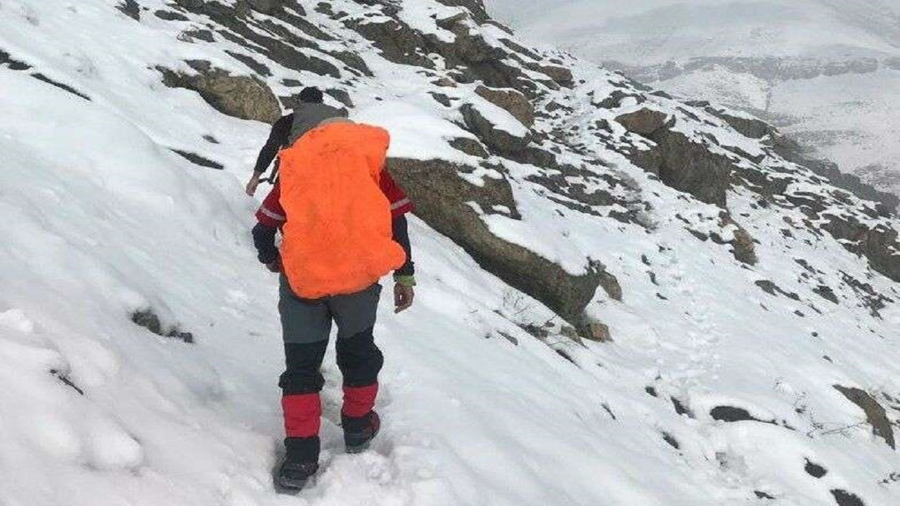 نجات ۶ کوهنورد اصفهانی گرفتار در صفه