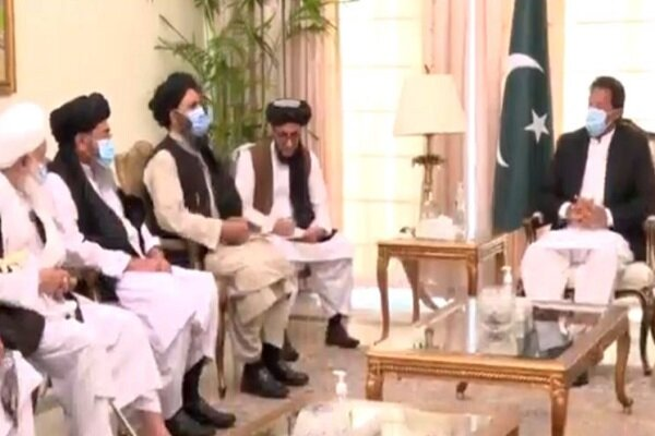عمران خان با نمایندگان طالبان دیدار کرد
