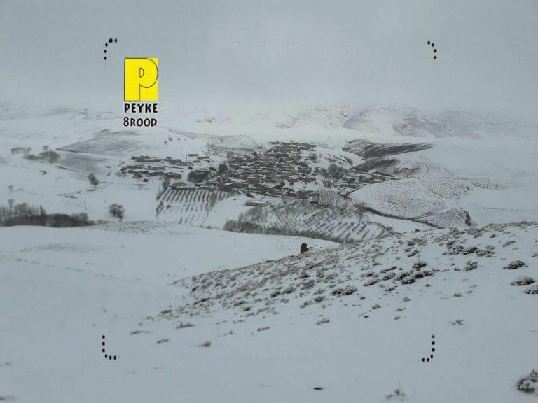 عکس/ دورنمای برفی از روستای گلی چاراویماق
