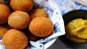 طرز تهیه کراکت مرغ یا گوشت بیتر بالن هلندی به روش رستورانی