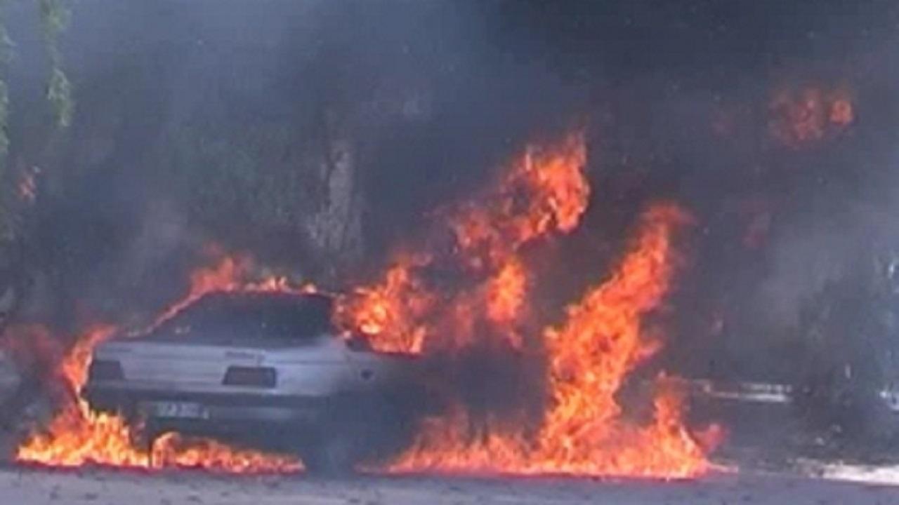 آتشسوزی خودروی پژو ۴۰۵ در سمنان