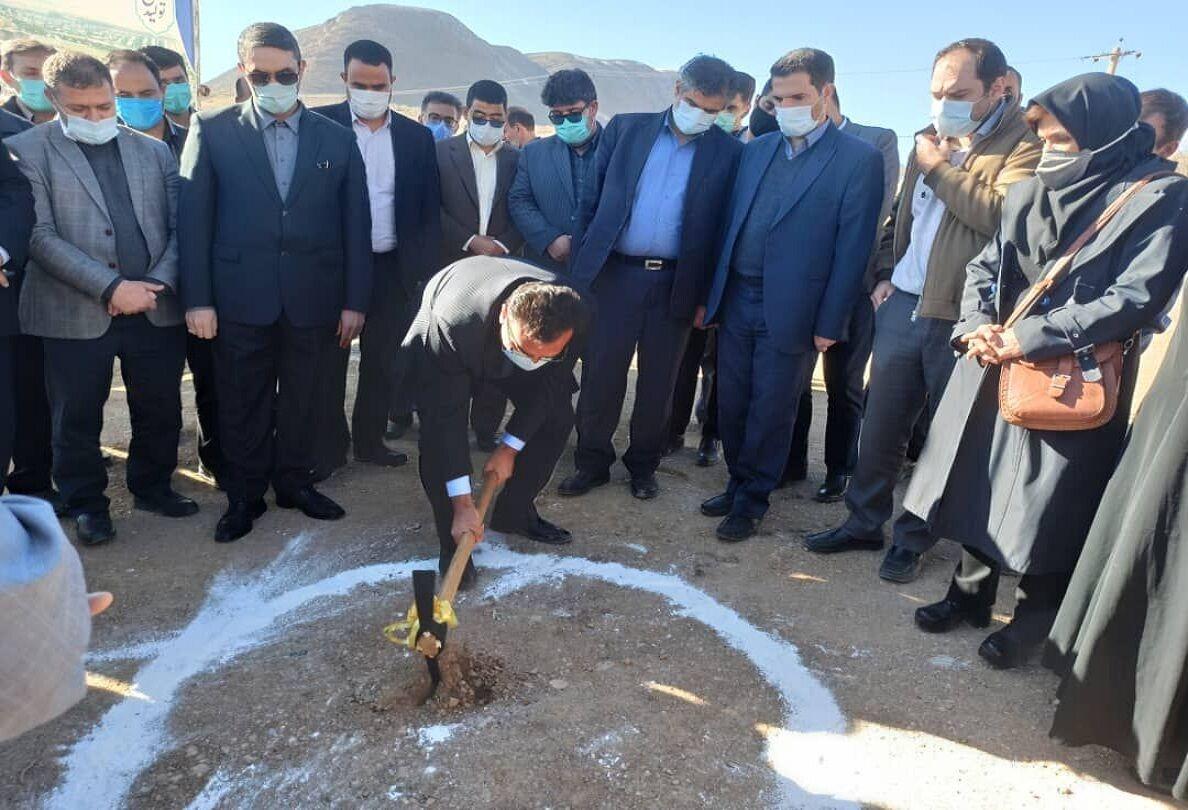 عملیات احداث ۳۰۰ واحد طرح ملی مسکن در «مهاجران» مرکزی آغاز شد