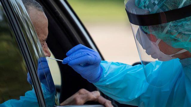 پاسخ آزمایش ۳۳ درصد از افراد مشکوک به کرونا در قشم مثبت شد