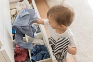 برای نی نی چه جنس لباسی بخریم؟