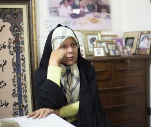 روایت فائزه هاشمی از انتقادات مادر از پدرش