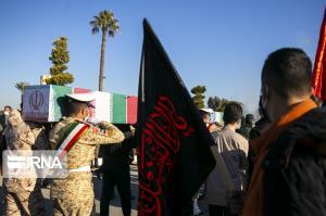 پیکر شهید سرباز وظیفه مدافع امنیت در لردگان تشییع شد