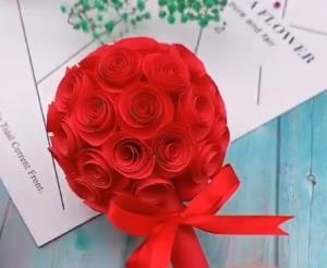 به سادگی برای عزیزانتان دسته گل رز خوشگل درست کنید
