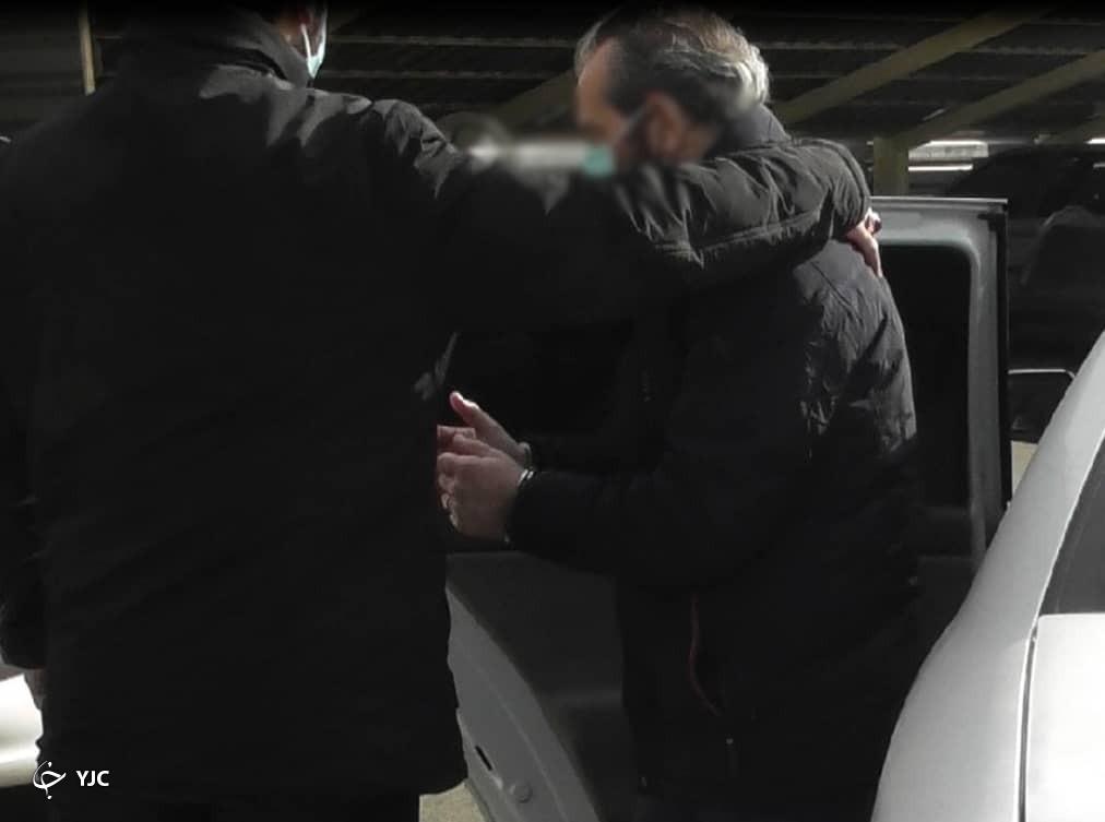 عکس/ لحظه دستگیری معاون بینالملل هلدینگ سرآوا حین فرار از کشور