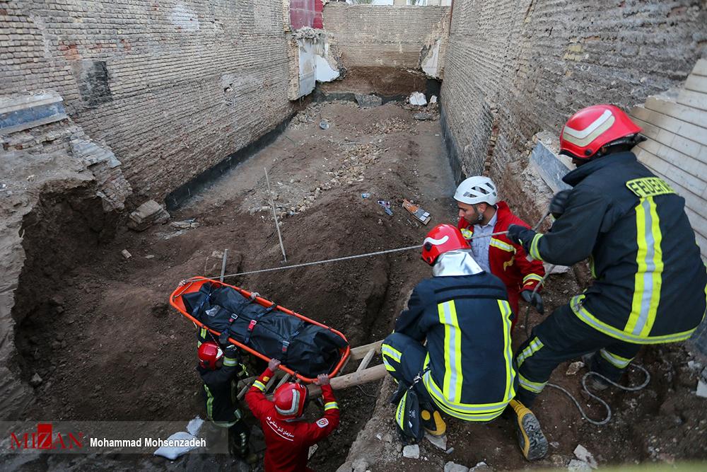 عکسهای برگزیده؛ حادثه ریزش آوار هنگام ساخت و ساز در قم