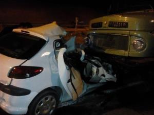تصادف ۲۰۶ و کامیون در زنجان یک قربانی گرفت