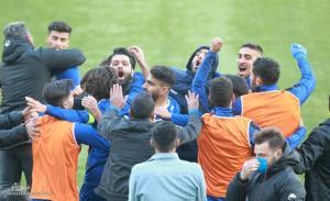 مدیران استقلال پیگیر حمله ارازل به بازیکن آبیها