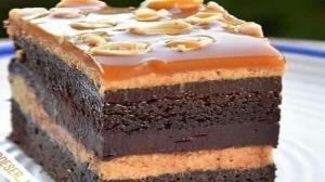 طرز تهیه کیک بادام زمینی