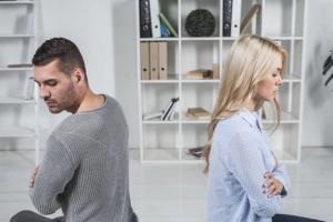 چگونه با همسر حساس یا حسود برخورد کنیم؟