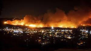 ببینید وزش باد چه طور آتش رو شعله ورتر می کنه