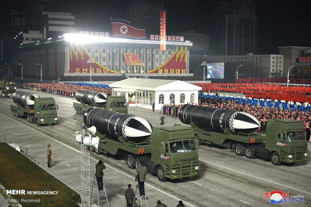 عکس/ رونمایی کره شمالی از موشکهای بالستیک جدید