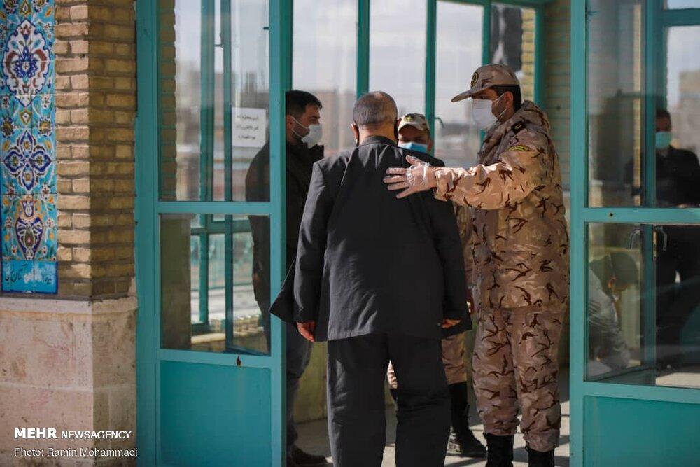 اقامه نماز جمعه شهر زنجان با رعایت دستورالعمل های بهداشتی