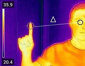 به جای پیشانی، دمای چشم و انگشت را بگیرید